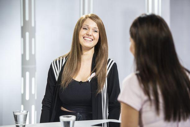 Janita Lukkarinen ylistää avomiestään saamastaan tuesta.