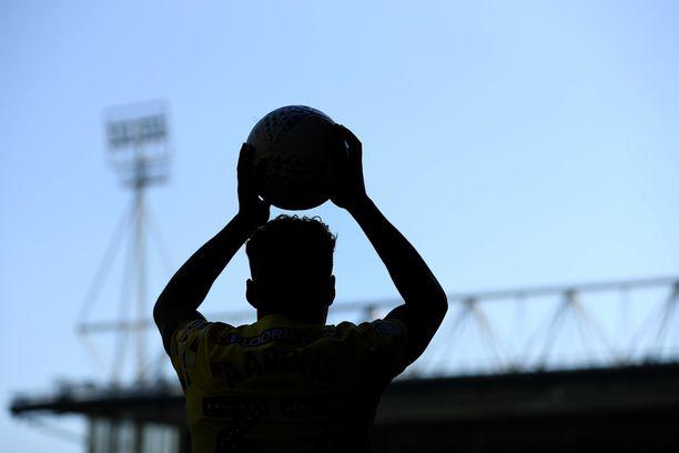 Palloliitto ja Jääkiekkoliitto pyysivät Suekilta selvityksen maajoukkuepelaajien kokemasta häirinnästä.