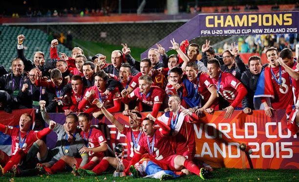 Alle 20-vuotiaiden MM-kisat päättyivät Serbian juhliin.