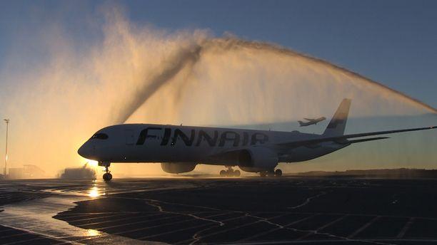 Finnair esitteli uunituoreen koneensa kuukausi sitten.