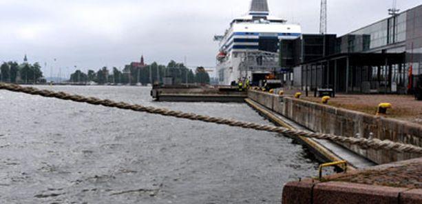 Helsingin edustan levämäärät ovat pieniä.