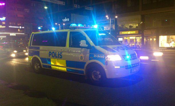 Poliisi sai hälytyksen illalla yhdeksältä paikallista aikaa. Mitään ei kuitenkaan enää ollut tehtävissä miehen pelastamiseksi. Kuvituskuva.