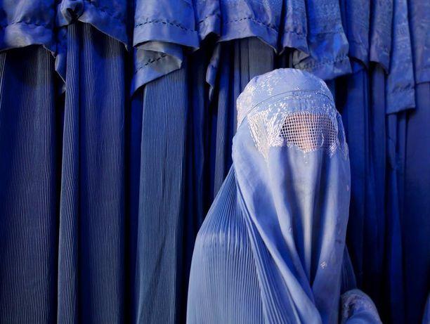 Kasvot peittävä burka on kielletty Ticinon kantonissa Sveitsissä viime perjantaista lähtien.
