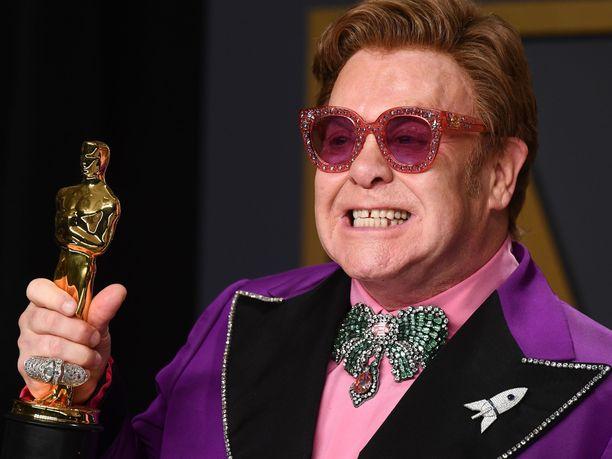 Sir Elton John voitti viikko sitten sunnuntaina uransa toisen Oscar-palkinnon parhaasta laulusta kappaleellaan (I'm Gonna) Love Me Again.