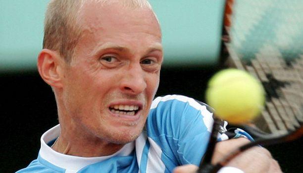 Nikolai Davidenkolta tuli itku, kun hän sai sakot liian lepsusta pelaamisesta.