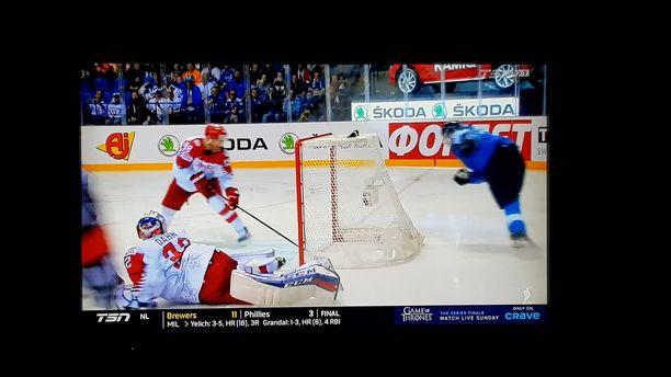 Kun TSN näytti päivän kohokohtia, ruudussa ei näkynyt Kanada-Ranska -pelin klippejä, vaan Kaapo Kakon herkuttelu Tanskaa vastaan.