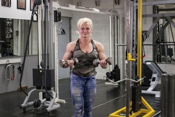 Jaana on käynyt kuntosalilla treenaamassa 30 vuoden ajan.