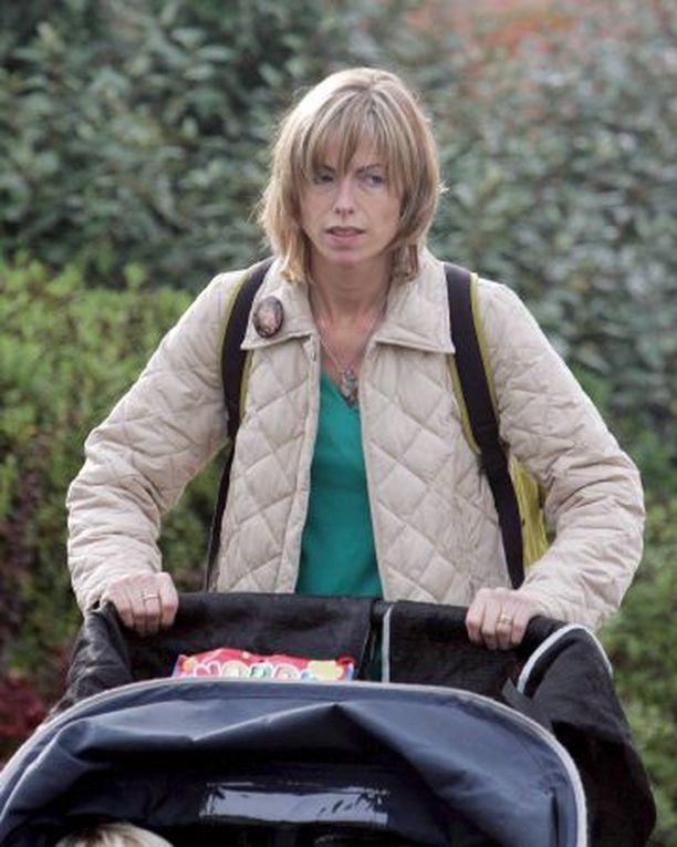 Portugalin poliisi aikoo jäljittää Kate McCannin jokaisen liikkeen hänen tyttärensä Madeleinen katoamispäivänä.