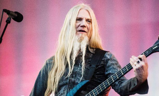 Marco Hietala kertoo Ruostumaton-kirjassaan Tarot-bändinsä ajoista.