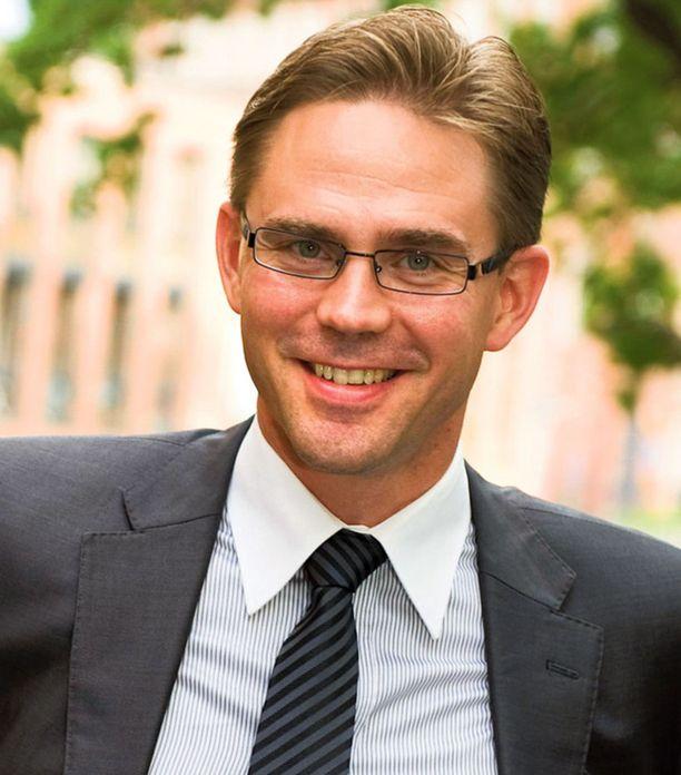 Valtiovarainministeri Jyrki Katainen joutuu vaaleja varten laskemaan askelmerkkinsä uusiksi.