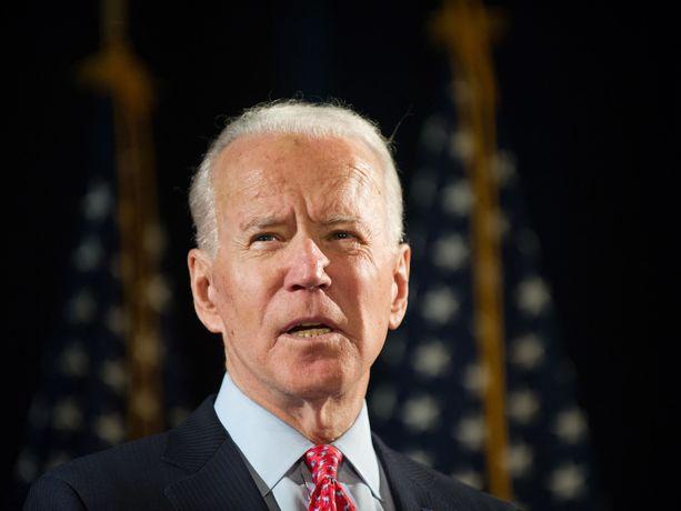 Demokraattien presidenttiehdokas Joe Biden johtaa Donald Trumpia gallupeissa.