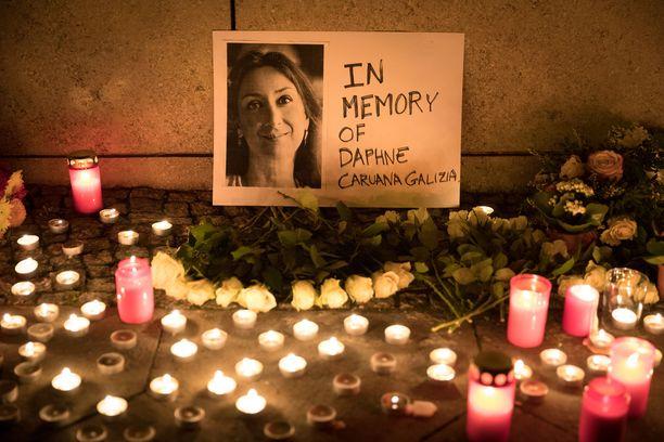 Panama-papereita ja Maltan korruptiota tutkinut toimittaja Daphne Caruana Galizia murhattiin autopommilla reilu kolme vuotta sitten.