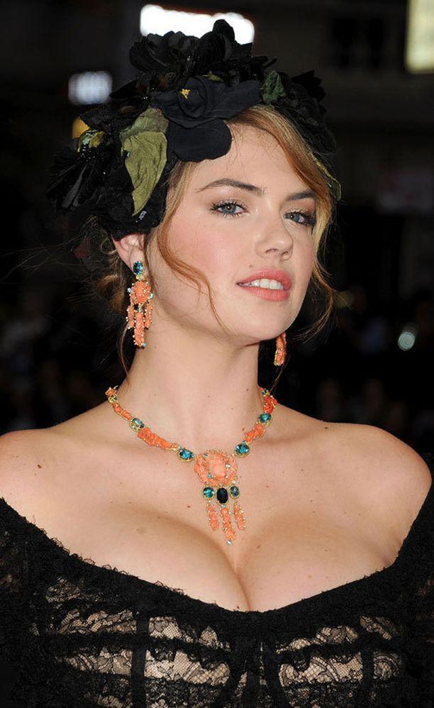 ...mutta nainen näyttää upealta myös boheemimmassa tyylissä.