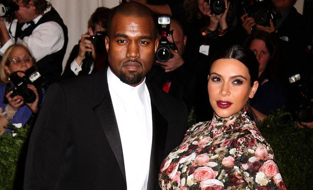 Kim Kardashianin ja Kanye Westin tytär sai nimekseen North West.
