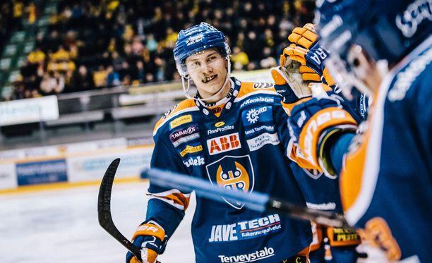 Sebastian Repo ampui ottelun voittomaalin.