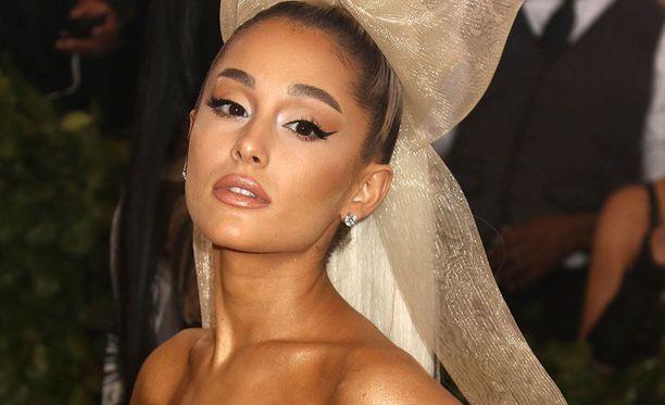 Ariana Grande, 24, on tunnettu yhdysvaltalaislaulaja. Granden kappaleisiin kuuluvat Break Free, Bang Bang ja Problem.