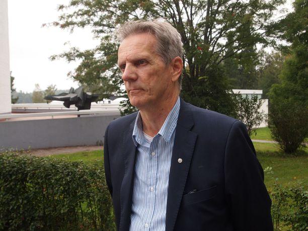 Rintamaveteraanien Satakunnan piirin puheenjohtaja Tapio Kamppi vakuuttaa, että veteraanit saavat tarvittavat palvelut.