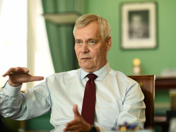 Pääministeri Antti Rinne korostaa, että päätös al-Holin leirillä olevien suomalaisten auttamisesta on monimutkainen.