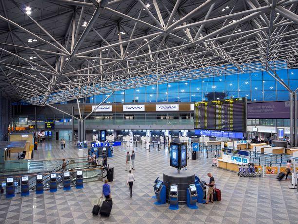 Suuri työmaa sijaitsee terminaali 2:n edustalla.