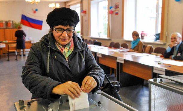 Venäjällä järjestetään tänään duuman vaalit. Äänestys on jo alkanut Venäjän itäisimmissä osissa.