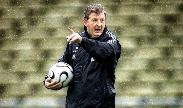 Päävalmentaja Roy Hodgson odottaa Suomen jalkapallomaajoukkueelta hyvää peliä Ruotsia vastaan.