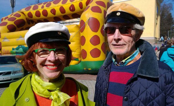Marja-Liisa Manka ja hänen miehensä Jussi viettivät vappupäivää kaupungilla.