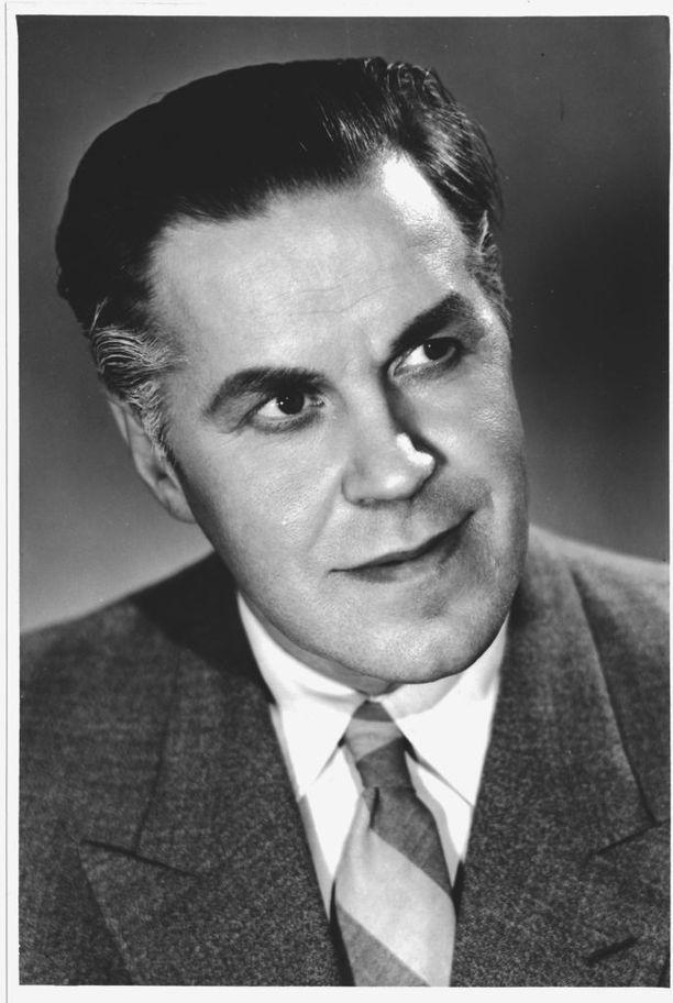 Edvin Laine hieman meikattuna promokuvassa vuodelta 1955.