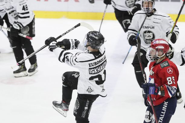 Viulu soi perjantaina Helsingissä, kun Ruslan Ishakov ratkaisi TPS:lle välierävoiton jatkoerässä.