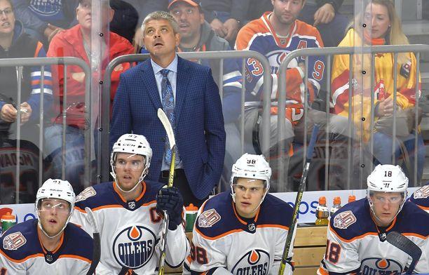 Todd McLellania ei enää nähdä Edmontonin penkin takana.