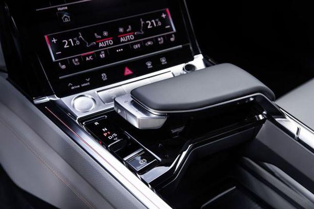 Jotakin samaa kuin Audi A8:ssa.