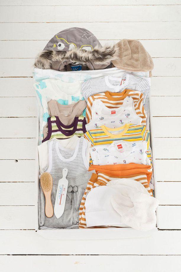 Baby Boxin vaatteiden väritys on neutraali ja raikas.