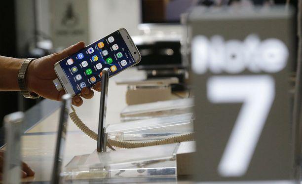 Samsung kertoo, että uusien Note 7 -puhelinten toimitus alkaa Suomessa vasta lokakuussa.