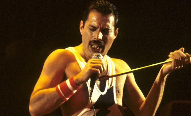 Freddie Mercury sairastui hiviin keväällä 1987. Hän kertoi sairaudestaan vuonna 1991. Ilmoituksen jälkeisenä päivänä hän kuoli.