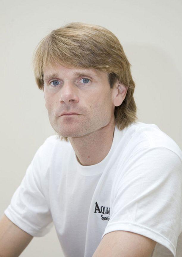 Grönholm ajoi ensimmäisen maailmanmestaruutensa vuonna 2000.