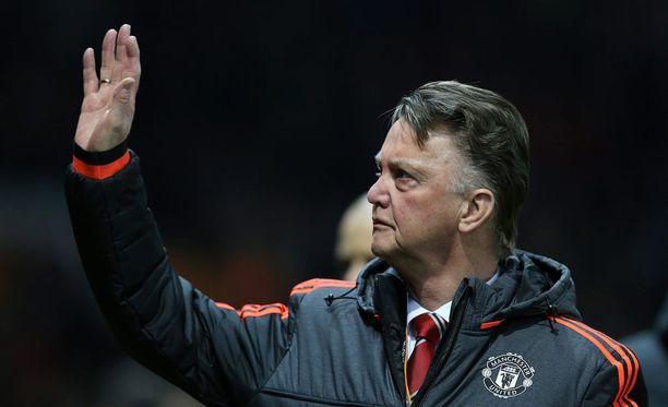 Louis van Gaal johdatti Unitedin 3-2-voittoon Arsenalista.