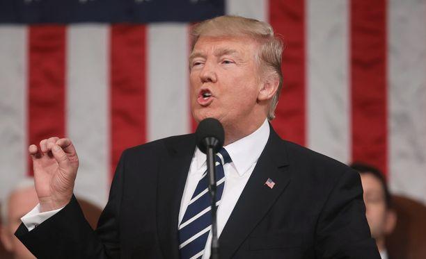 Presidentti Trump aikoo poistaa Irakin maahantulokieltolistalta.