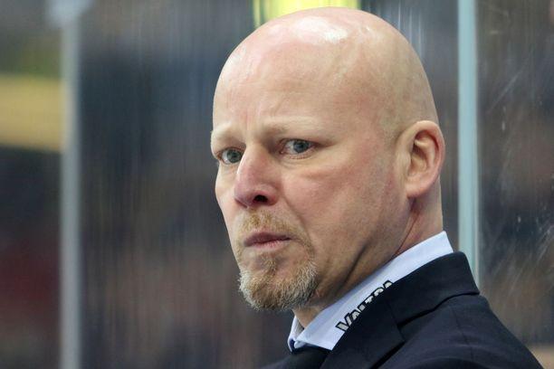 JYP-luotsi Marko Virtasen mielestä tuomaritoiminnassa oli parantamisen varaa.