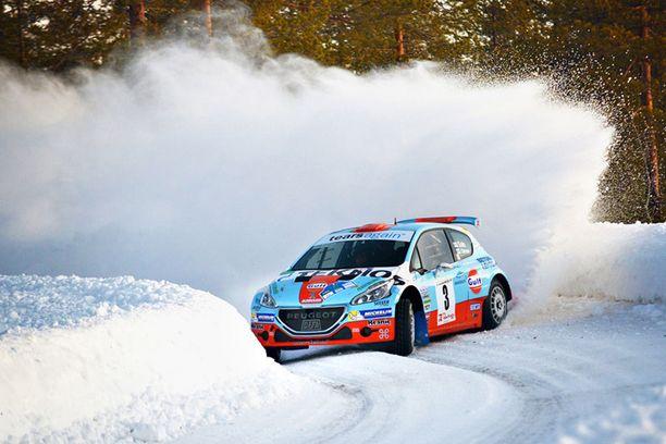 Juha Salo tavoittelee paluuta kultakantaan Peugeot 208 R-vitosella.