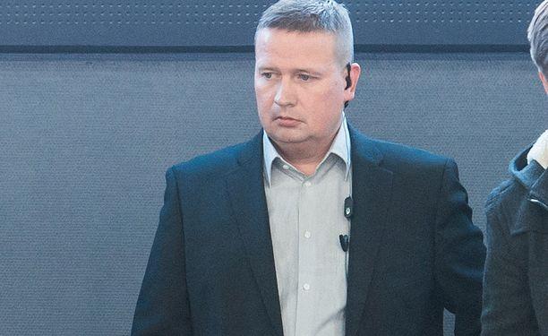 Ari Moisanen toimii Ak Bars Kazanin maalivahtien apuna.