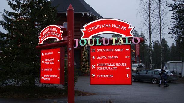 Joulupukin Pajakylä on valmiina turistikauteen.