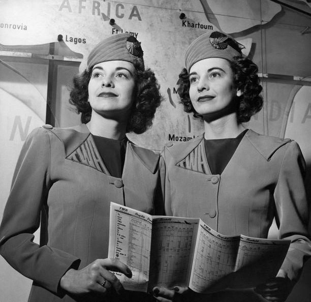 Lentoemäntien univormut ovat aina olleet tyylikkäitä.