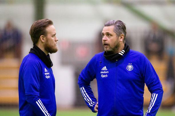 Mikko Mannila (oik.) on operoinut viime vuosina Klubi 04:n päävalmentajana sekä HJK:n edustusjoukkueen valmennusryhmässä.
