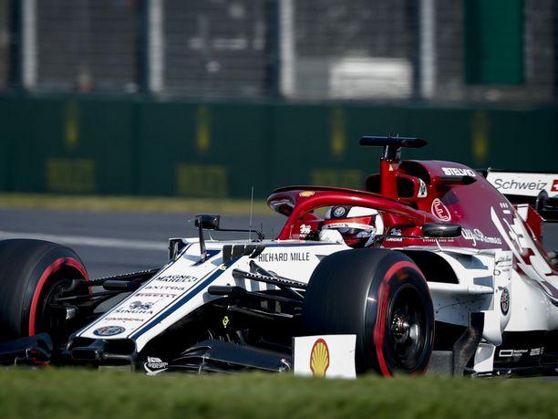 Kimi Räikkönen nipisti äärimmäisen tiukassa keskikastissa kahdeksannelle sijalle.