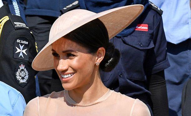 Herttuatar Meghanin perheestä häihin osallistui vain hänen äitinsä.