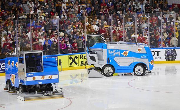 Jääkoneilla riittää töitä Kölnissä.