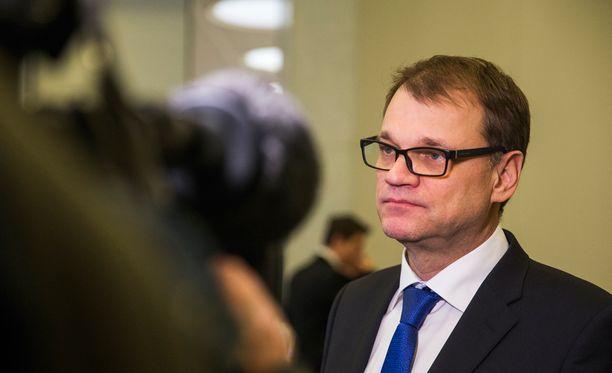 Juha Sipilä (kesk) ja työmarkkinaosapuolet keskustelivat keskiviikkona.