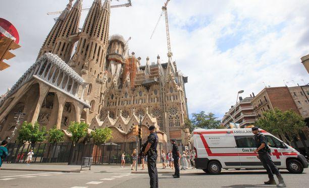 """Tämä keskeneräinen monumentti oli yksi suunnitelluista kohteista. Terroristien """"pommitehtaalla"""" tapahtunut räjähdys surmasi iskujen pääideologin ja yllyttäjän - ja teki samalla suunnitelmat pommi-iskujen sarjasta Barcelonaan tyhjiksi."""