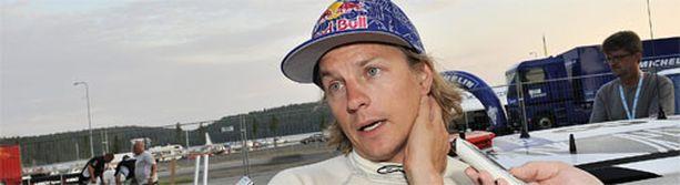 Kimi Räikkönen on joka päivä F1-huhujen kohteena.
