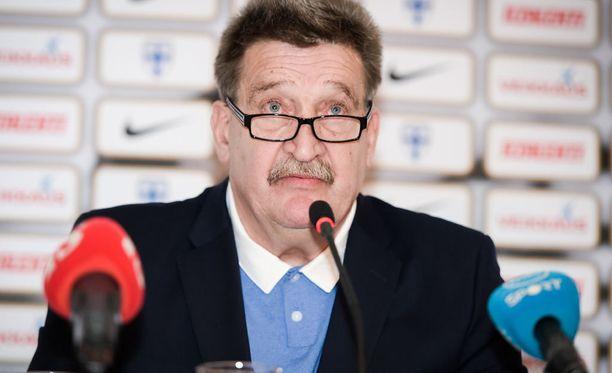 Pertti Alaja valittiin Palloliiton puheenjohtajaksi syksyllä 2012.