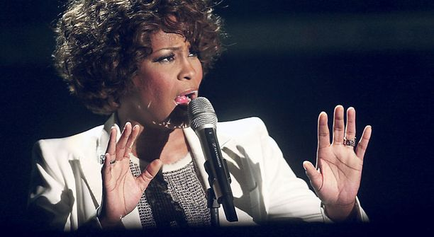 Viimeaikaisissa kuvissa on nähty pyöristynyt ja käheä-ääninen laulaja.